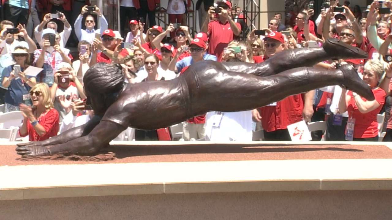 Pete Rose on his statue