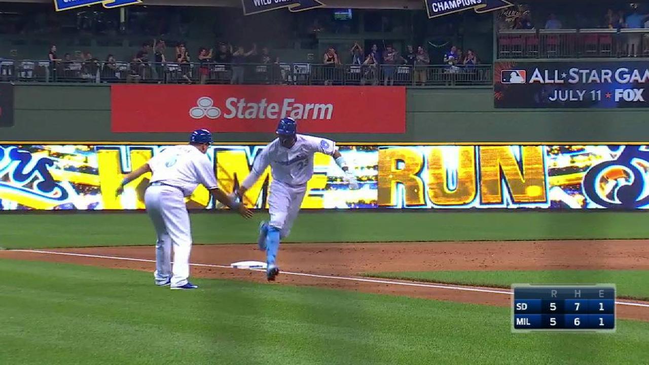 Broxton's game-tying home run
