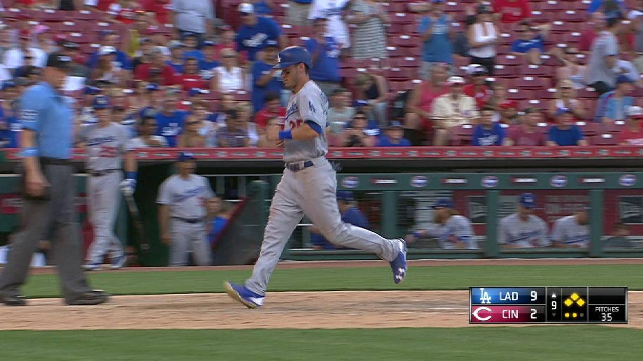 Puig's sac fly to right