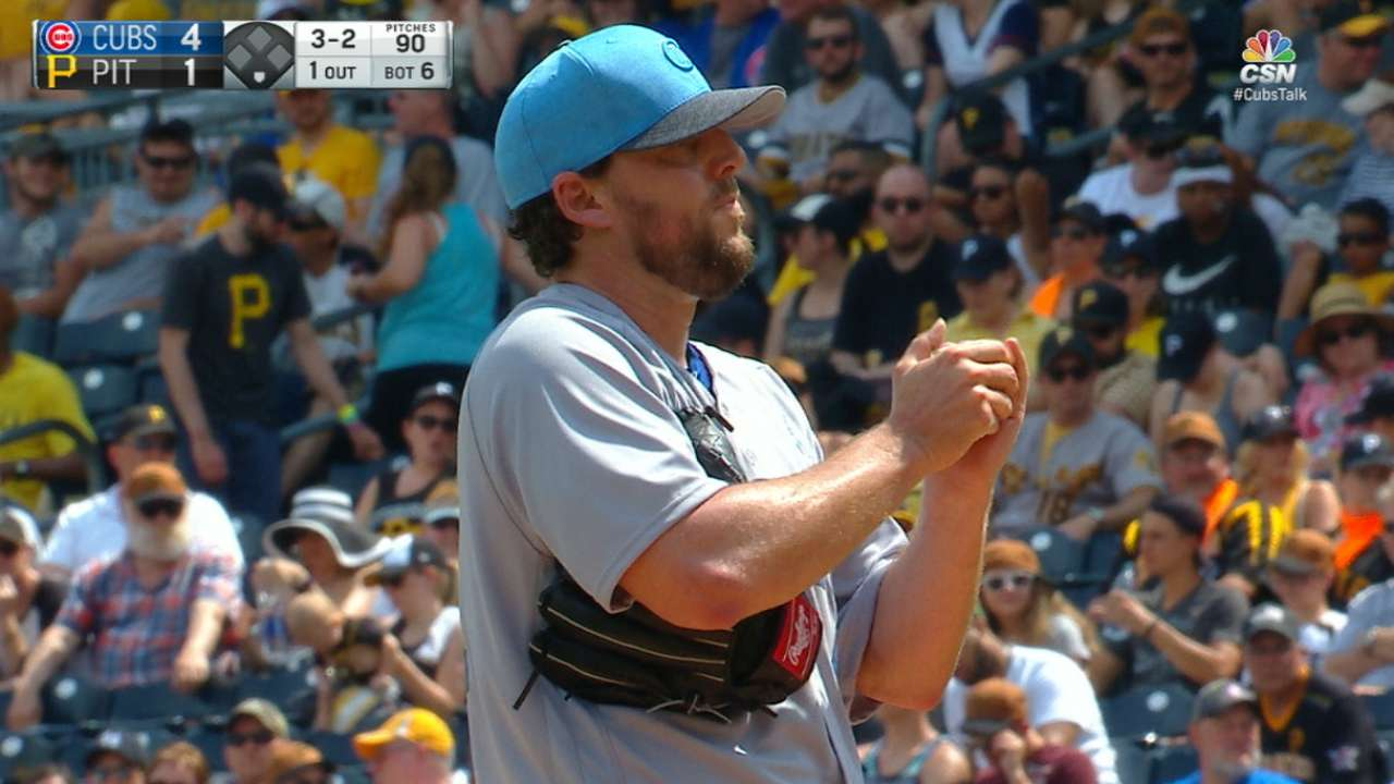 Lackey, Rizzo lead way to lift Cubs to .500