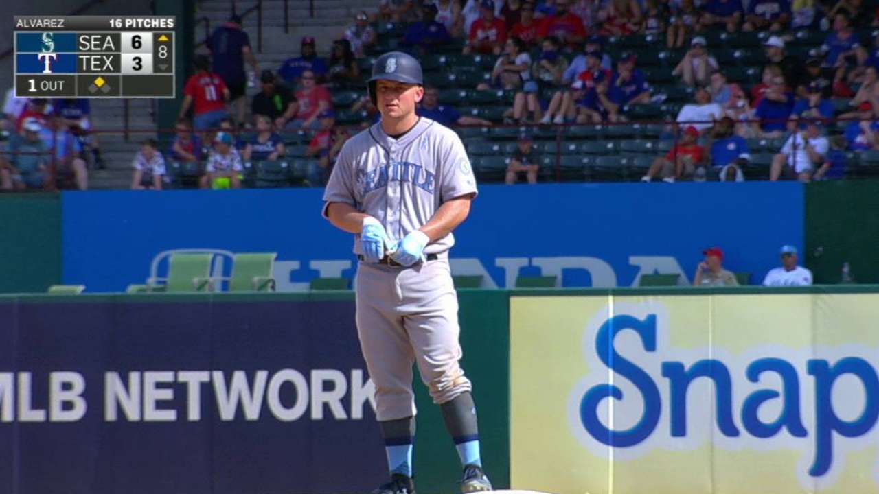 Seager's third RBI double