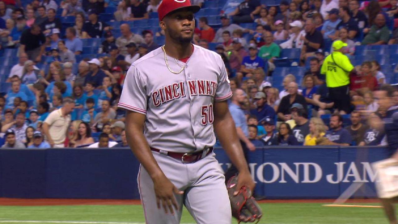 Garrett among 4 Reds pitchers recalled
