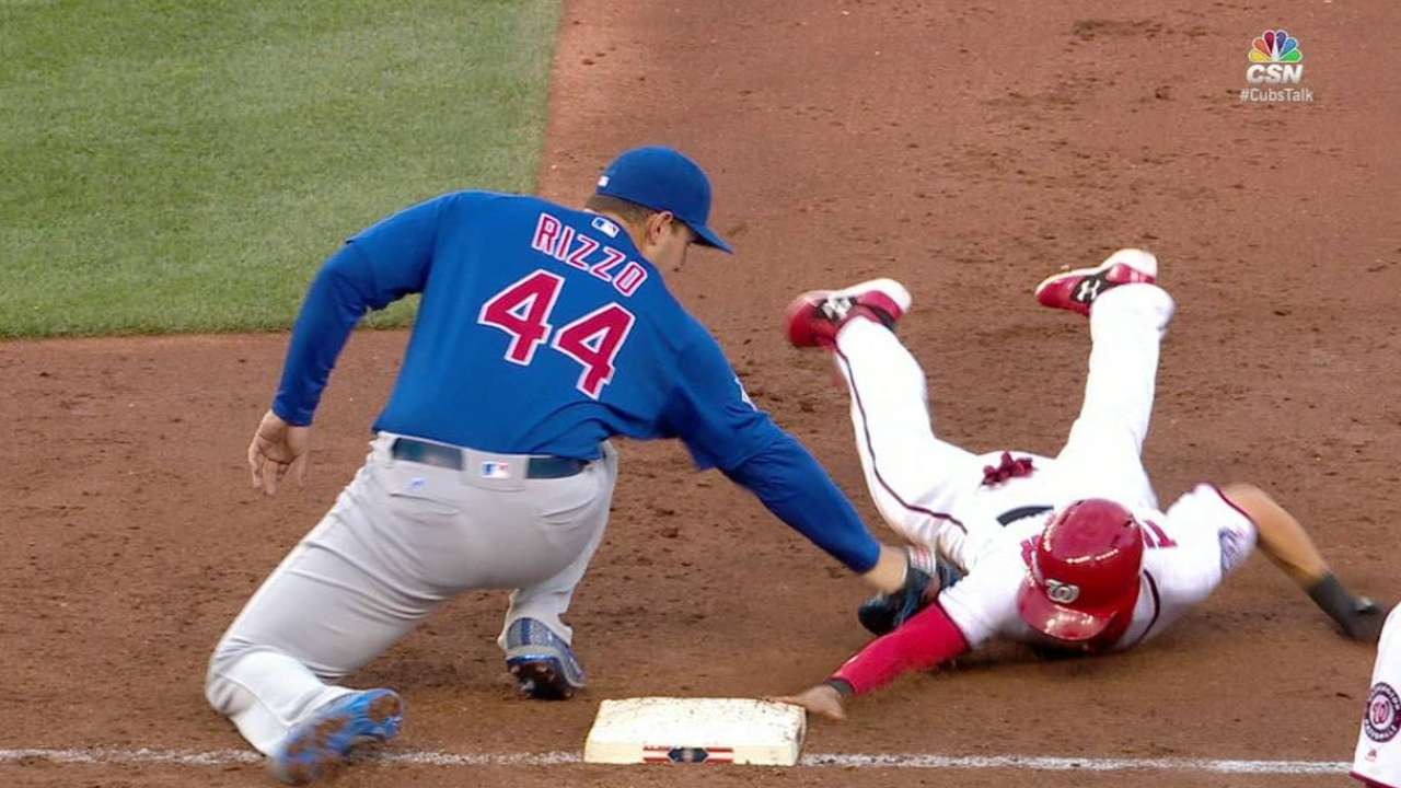 Contreras picks off Turner