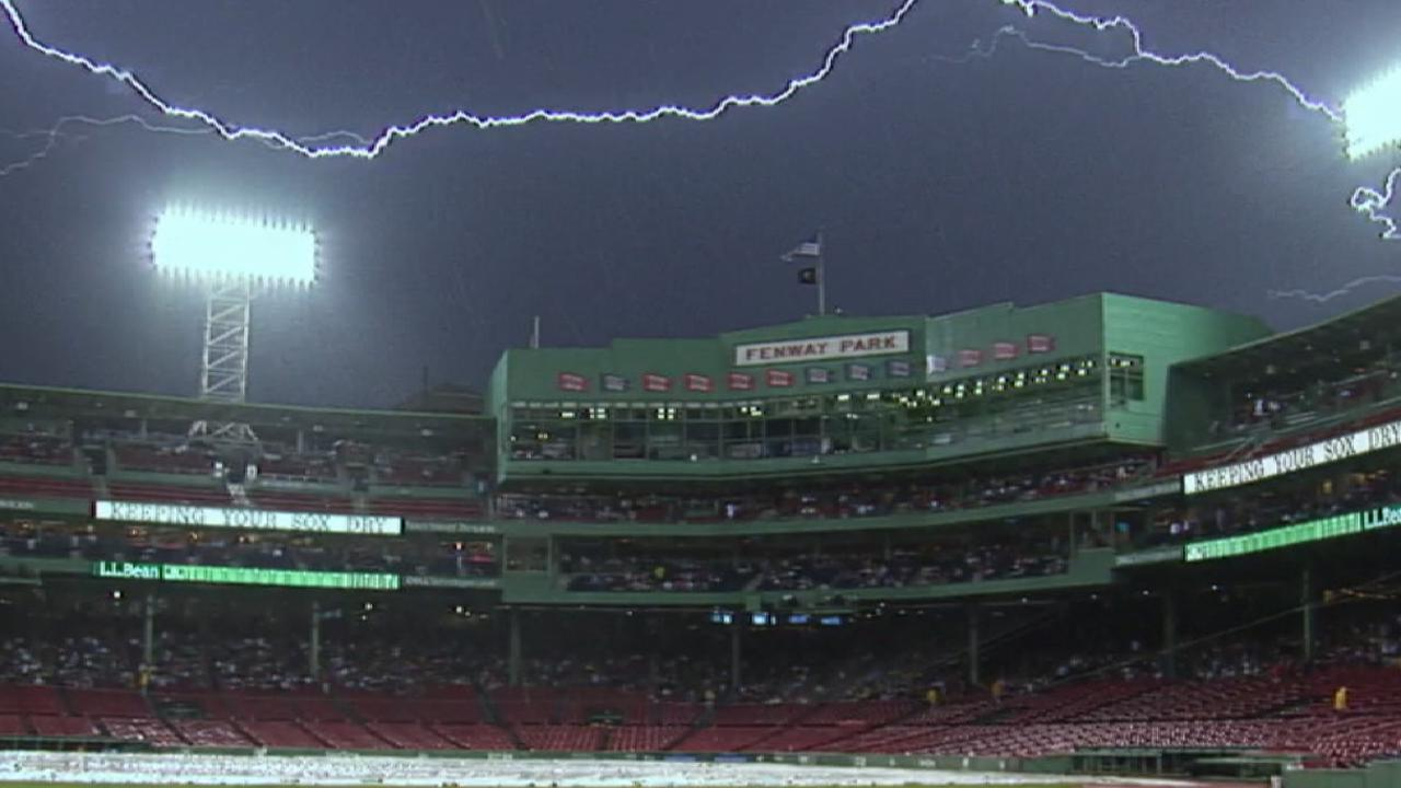 Fenway sparks: Sox, Mother Nature amaze