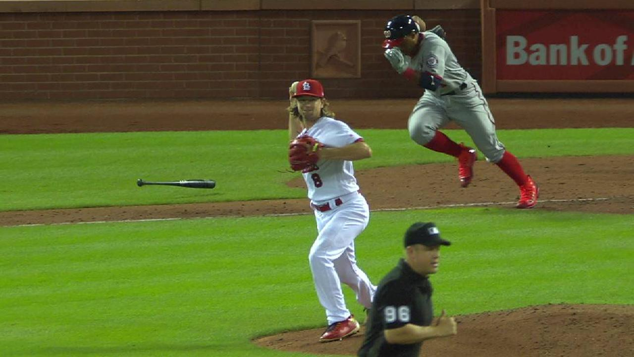 Leake stifles Nats as Cards' bats bust out