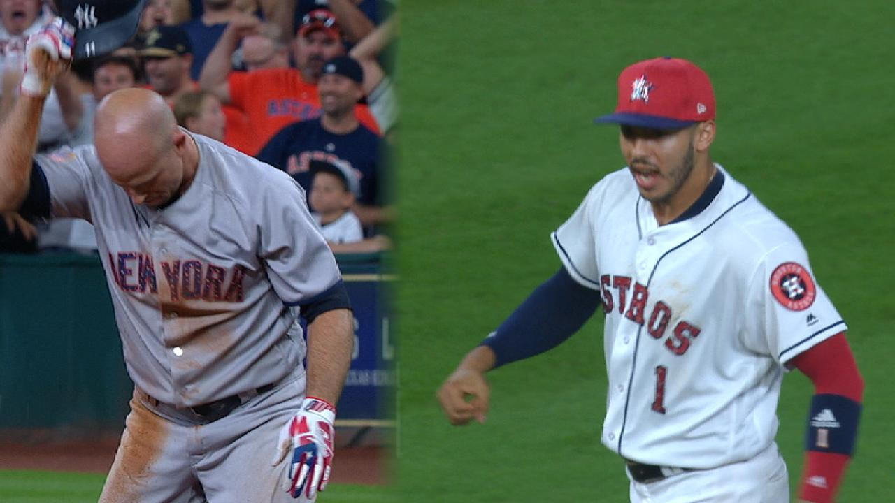 Astros rally, stun Yanks with walk-off throw