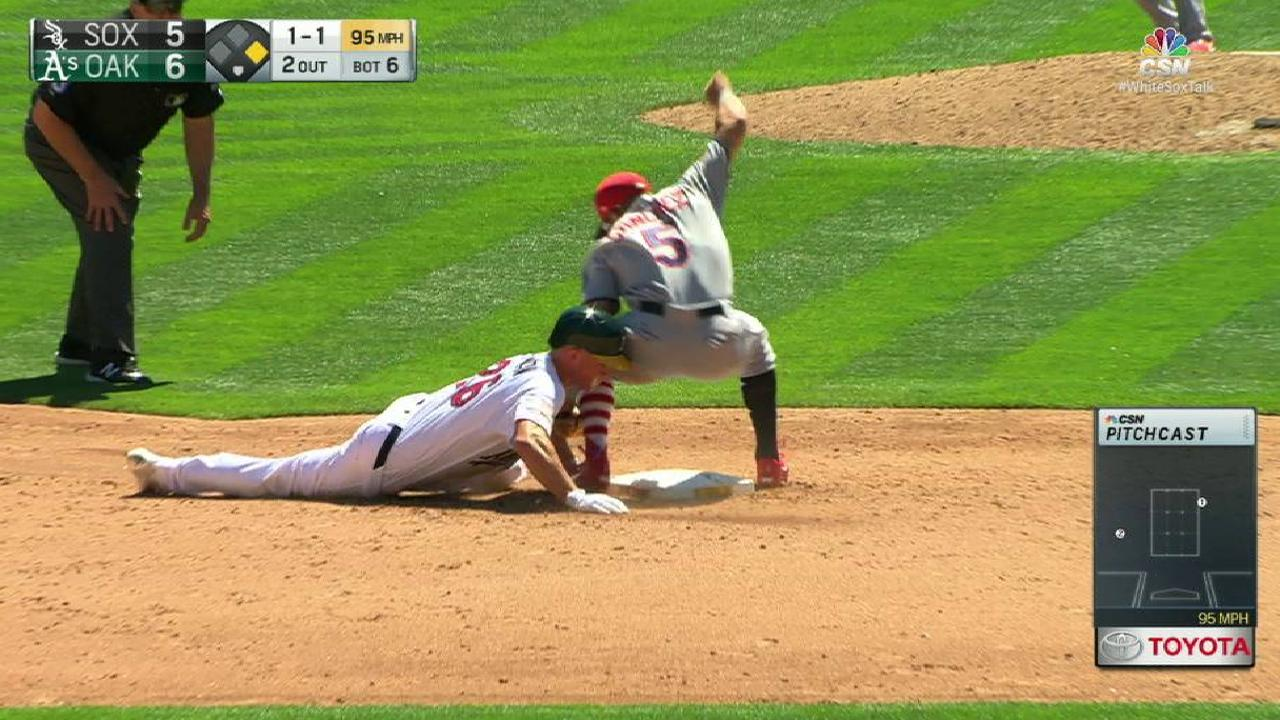 Narvaez throws out Chapman