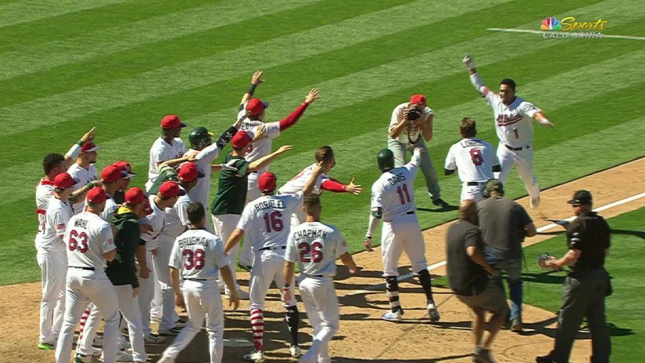 Atléticos dejan tendidos a White Sox con HR de Barreto en la 9na