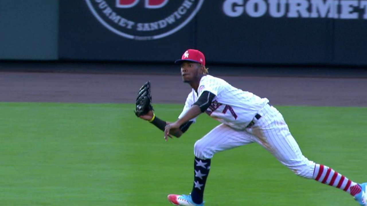 Tapia's diving catch