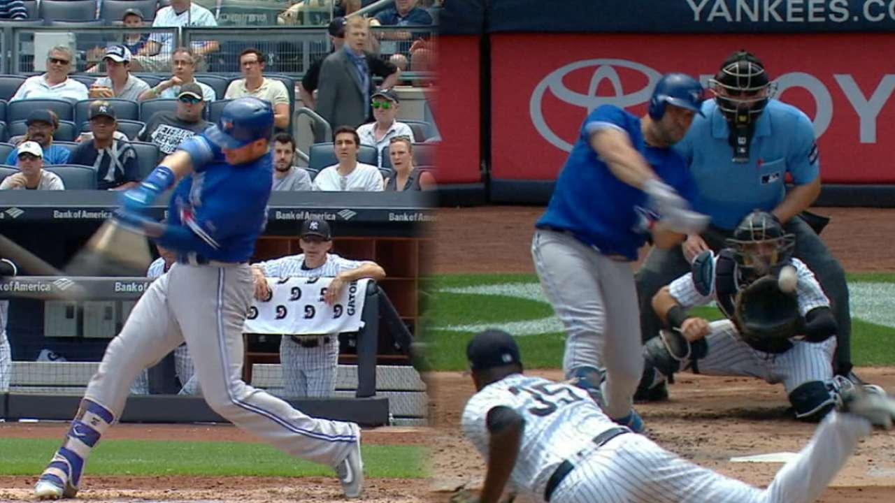 Blue Jays crush four home runs