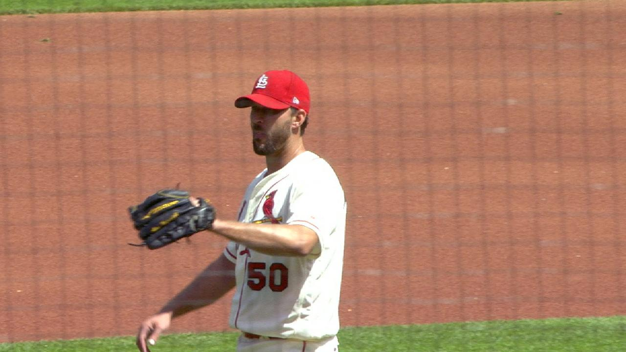 Wainwright's strong outing