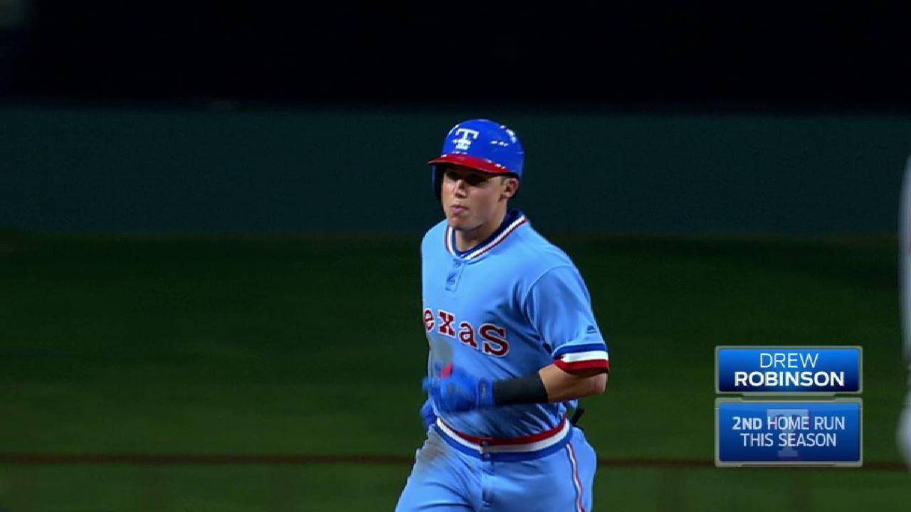 Robinson's two-run home run