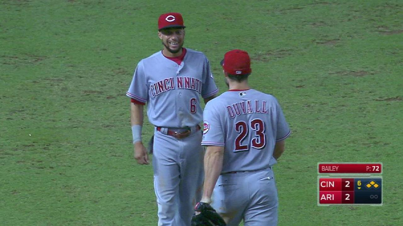 Duvall throws out Goldschmidt