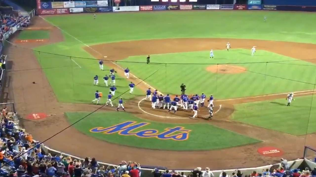 Tebow hits first pro walk-off homer