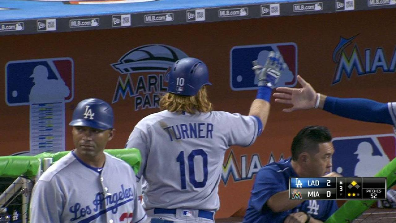 Turner's sac fly to right