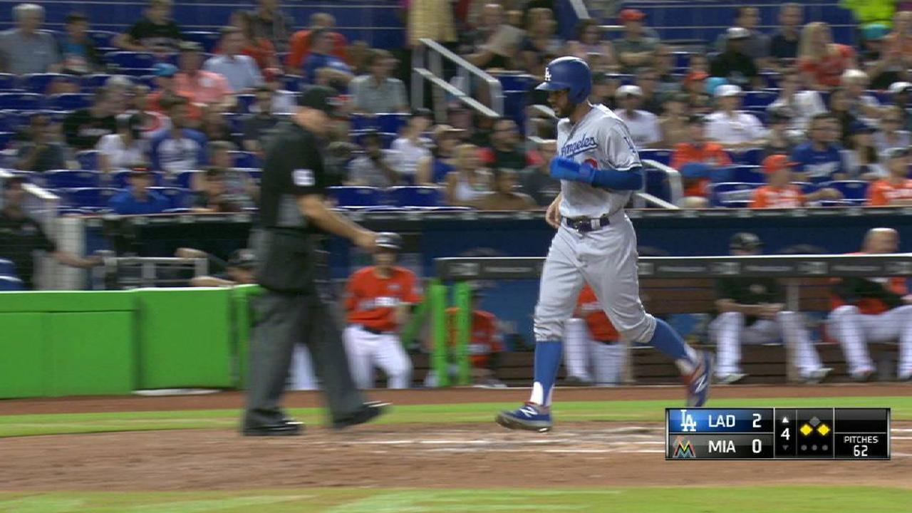 Barnes' RBI knock to center