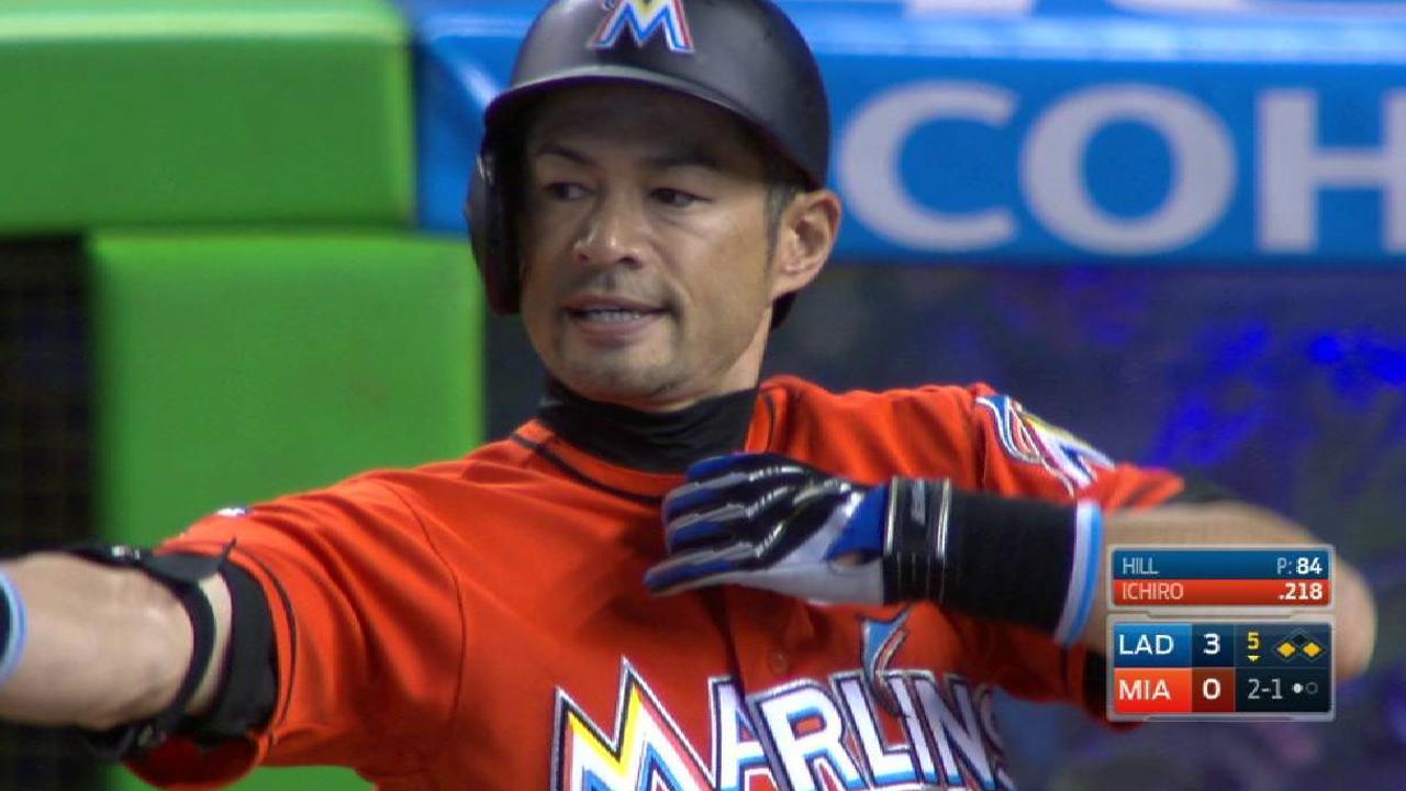 Ichiro's RBI infield single