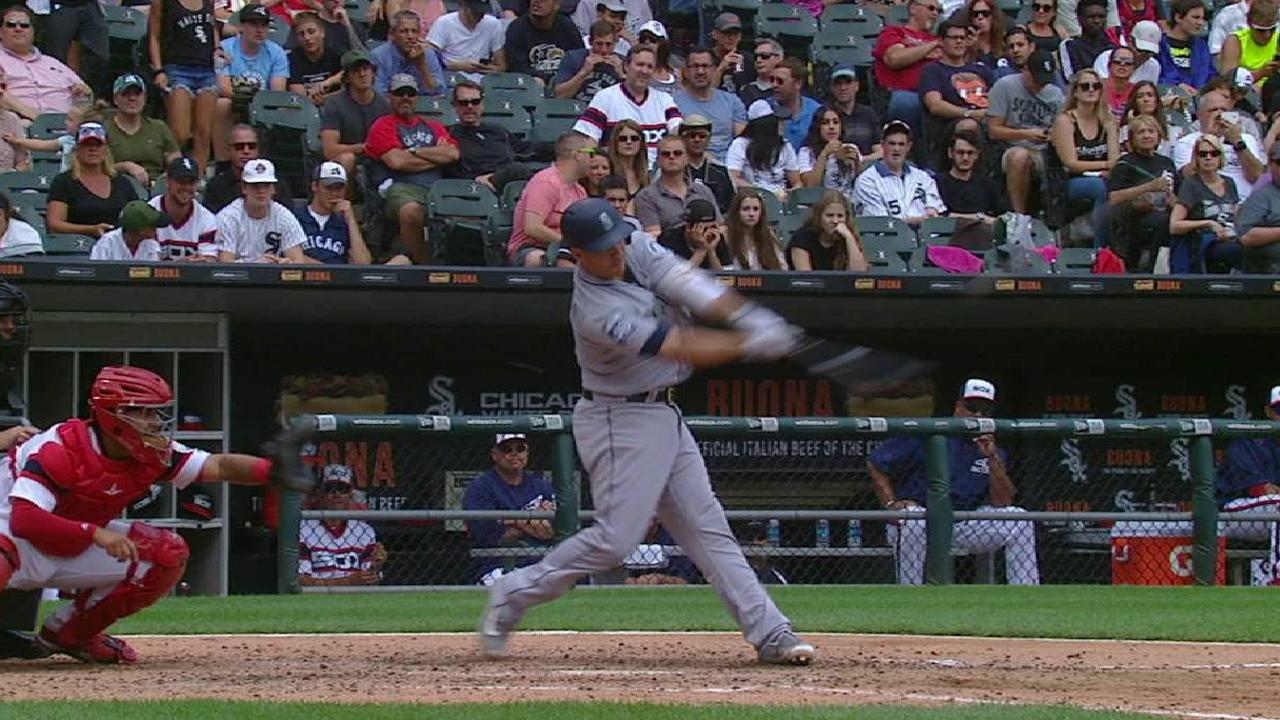 Valencia's three-run homer