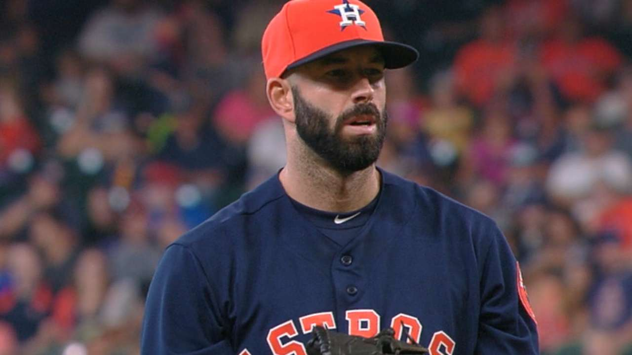 Fiers fans 11, Astros take series from Twins