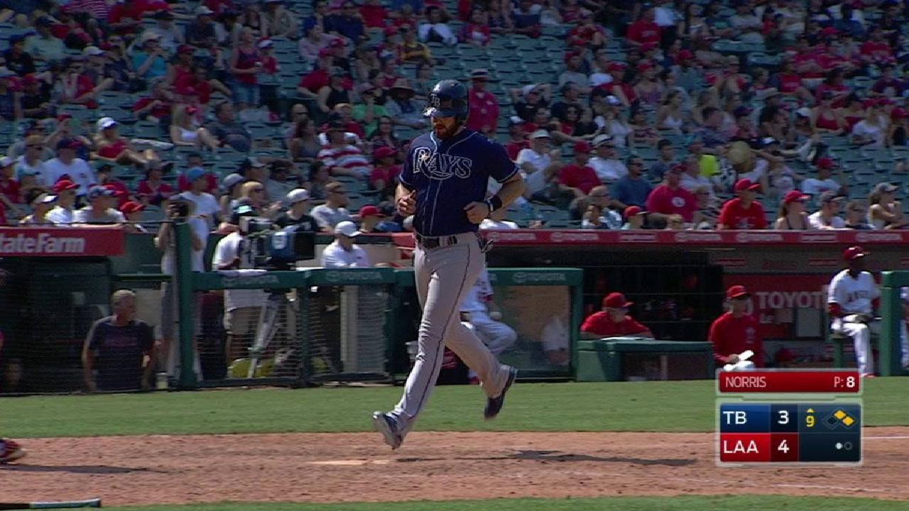 Souza Jr.'s RBI single