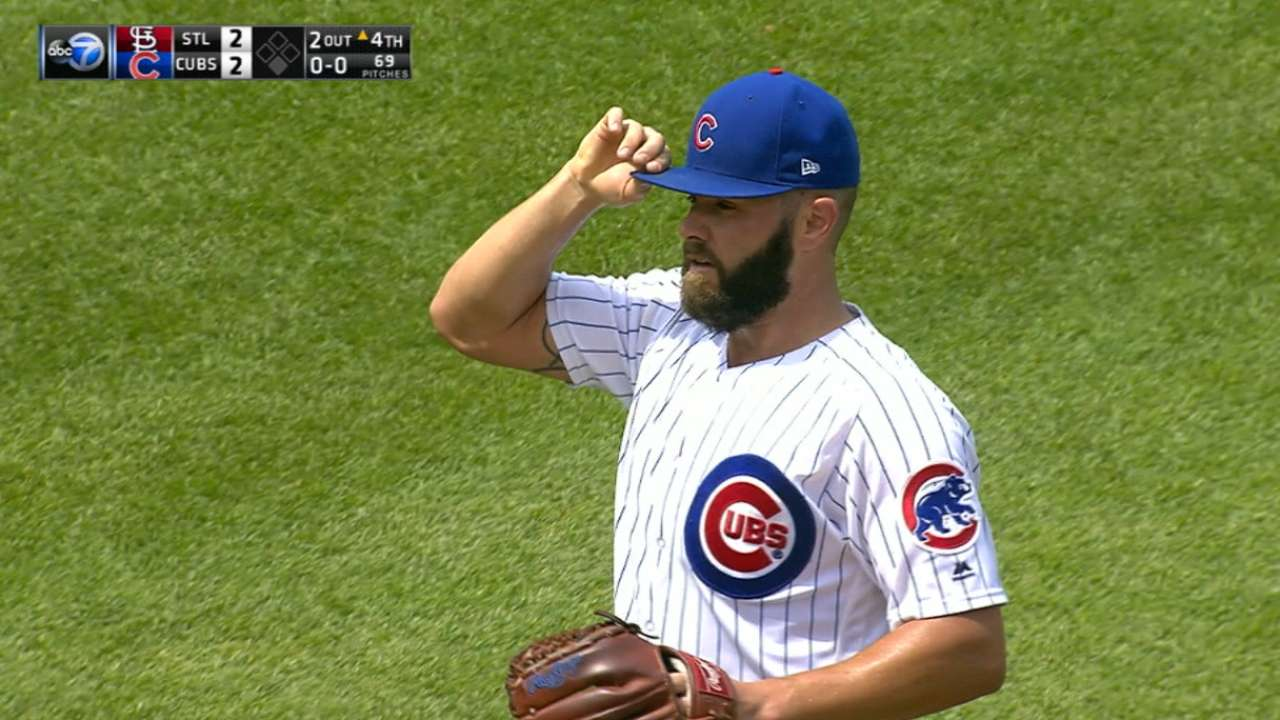 Arrieta displays vintage form in tough loss