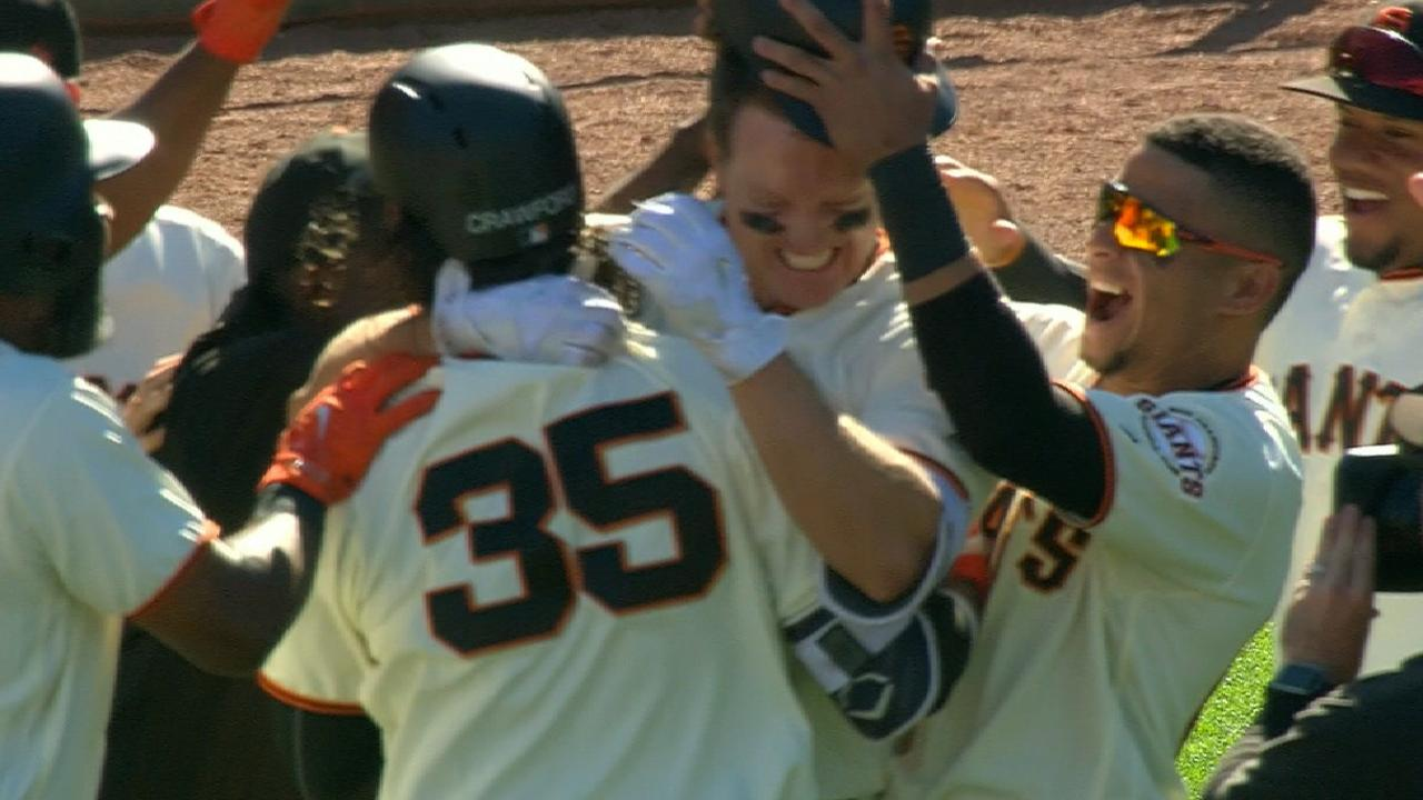 Giants walk off in 12th on Hundley's single