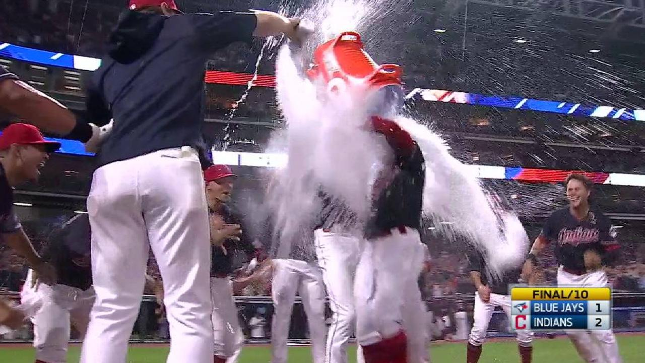 Lindor's walk-off HR sparks happiest trot ever