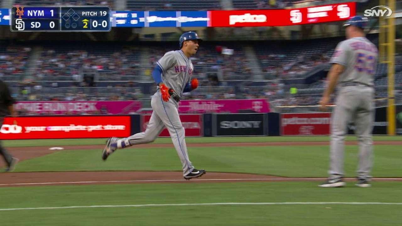 Mets superan a los Padres con sólida labor de deGrom