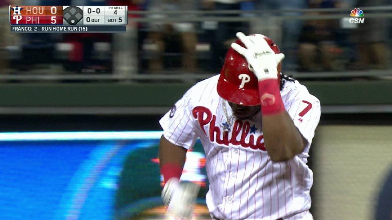 Filis evitan la barrida con una paliza vs. Astros