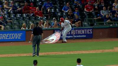 Rangers' Adrian Beltre records 3000th career hit