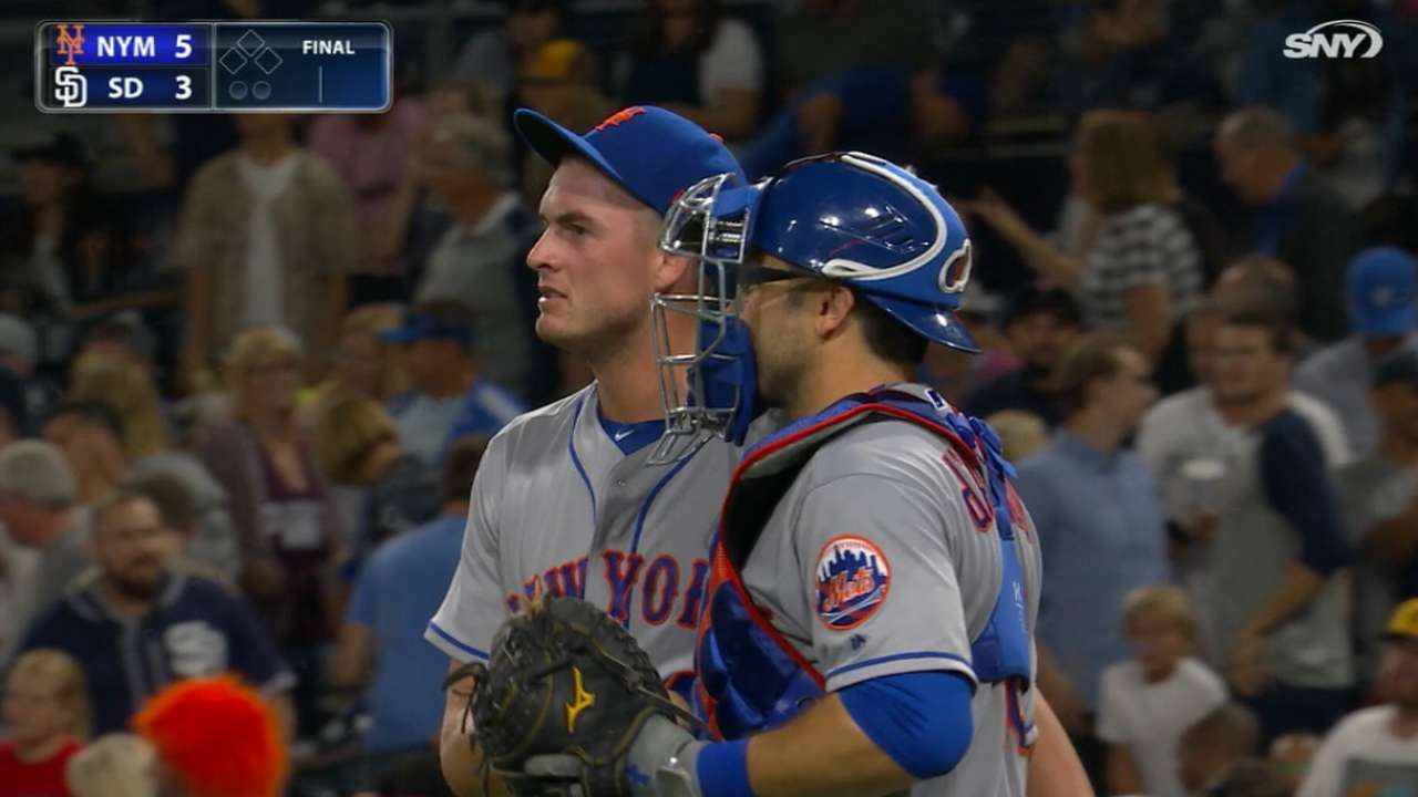 Red Sox boost 'pen, acquire Reed from Mets