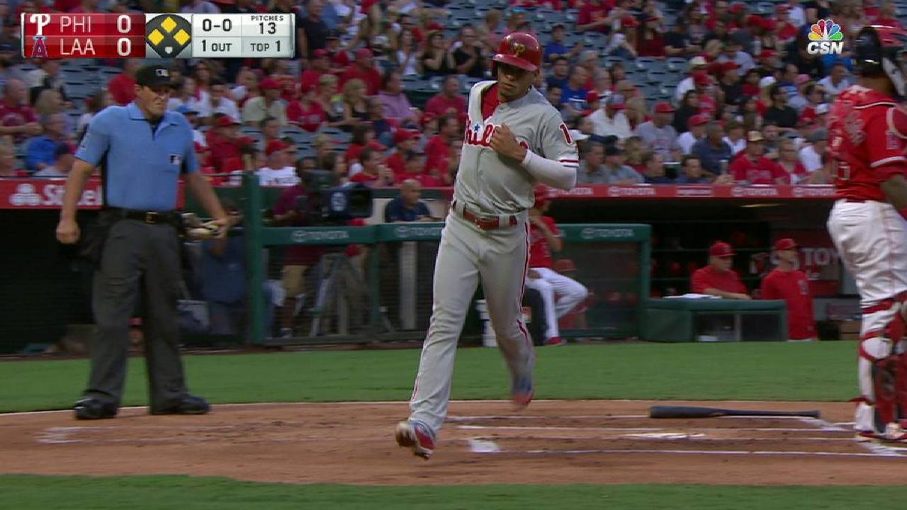Phils can't find big hits, fall to Halos in opener