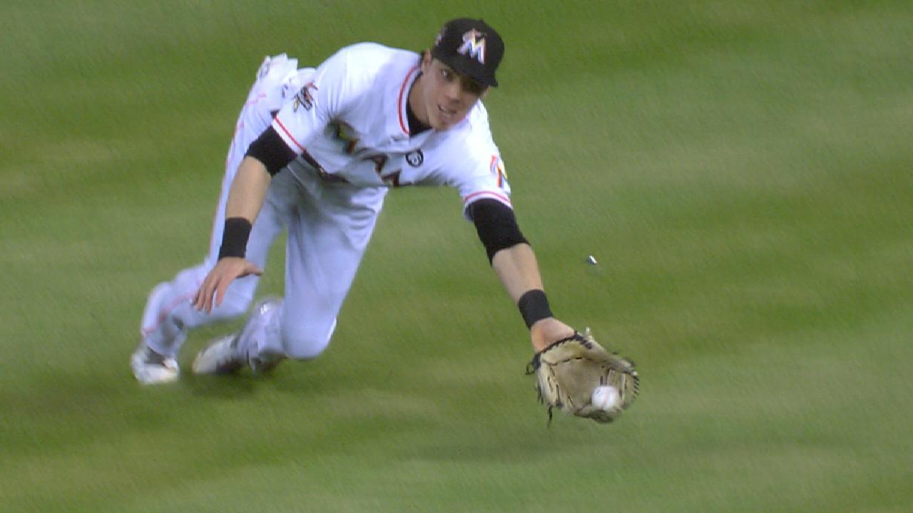 Yelich's fantastic diving catch