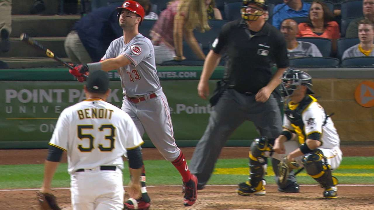 Clutch Winker's 2nd MLB HR lifts Reds at PNC