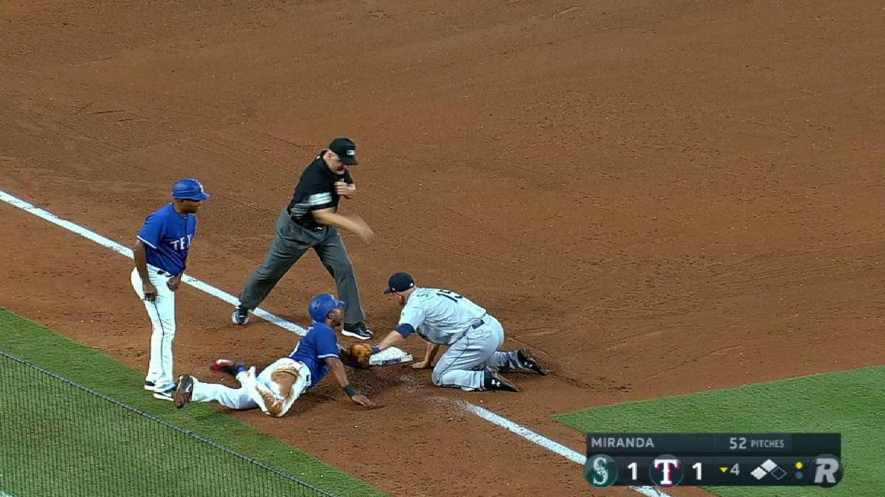 Mariners turn double play