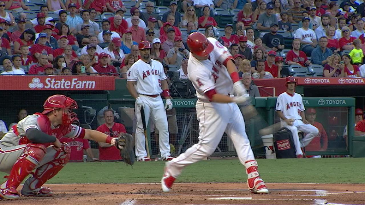 Trout's two-run dinger