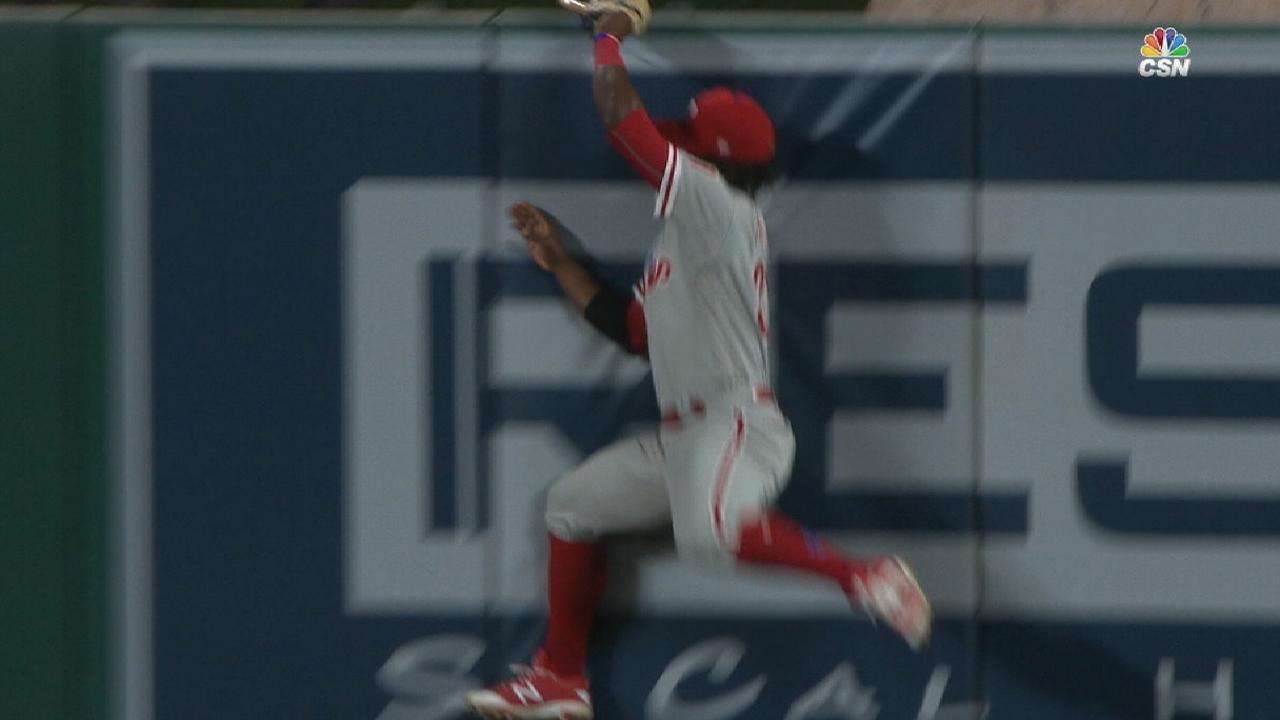 Herrera's tremendous catch