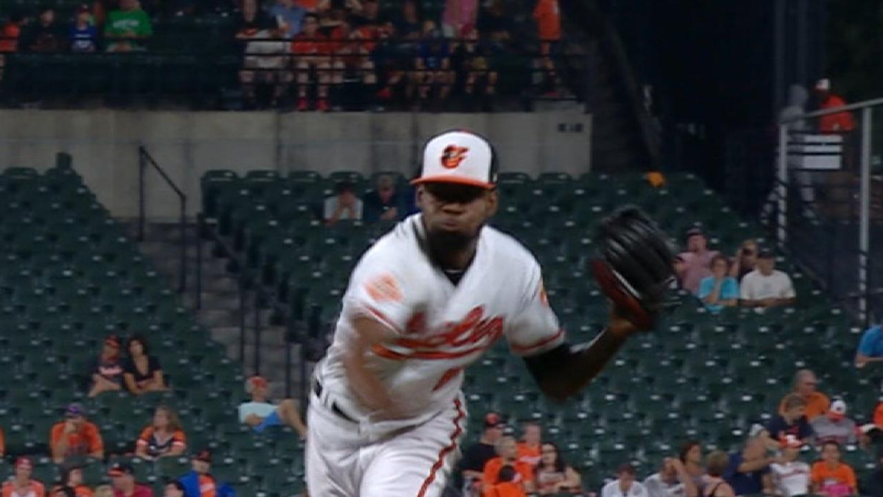 Ex-starter Castro goes long way for O's bullpen