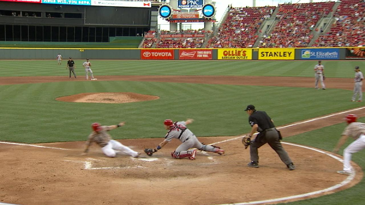 Piscotty throws out Barnhart