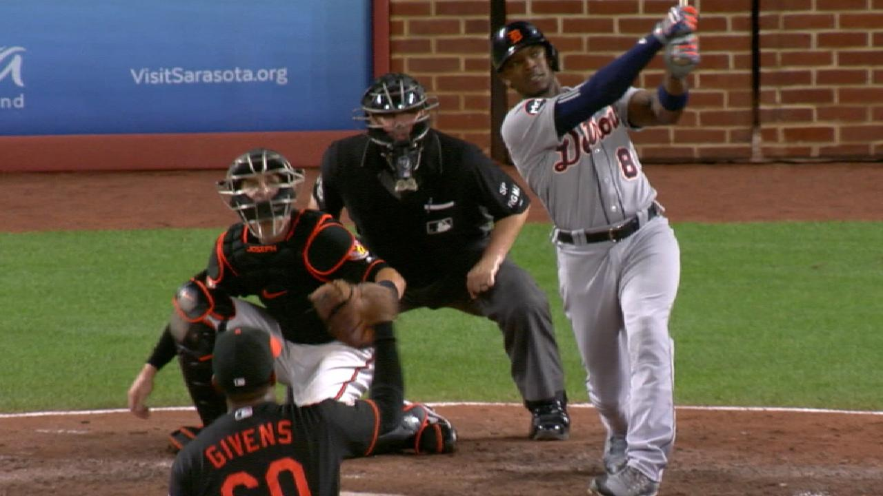 Upton's grand night lifts Tigers past Orioles
