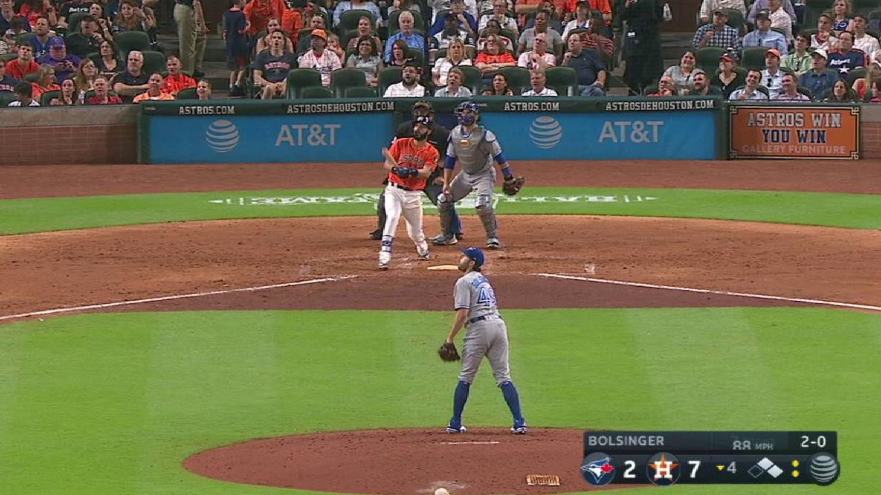 Gonzalez's three-run jack