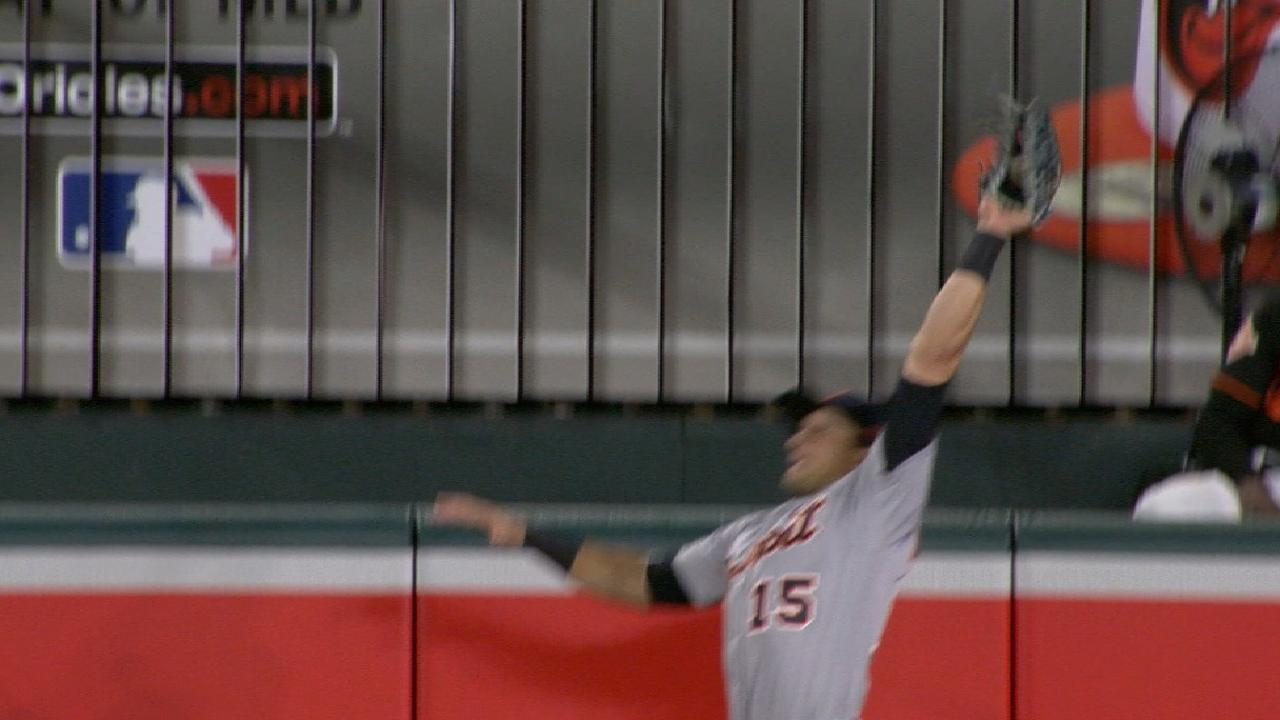 Mahtook's great leaping catch