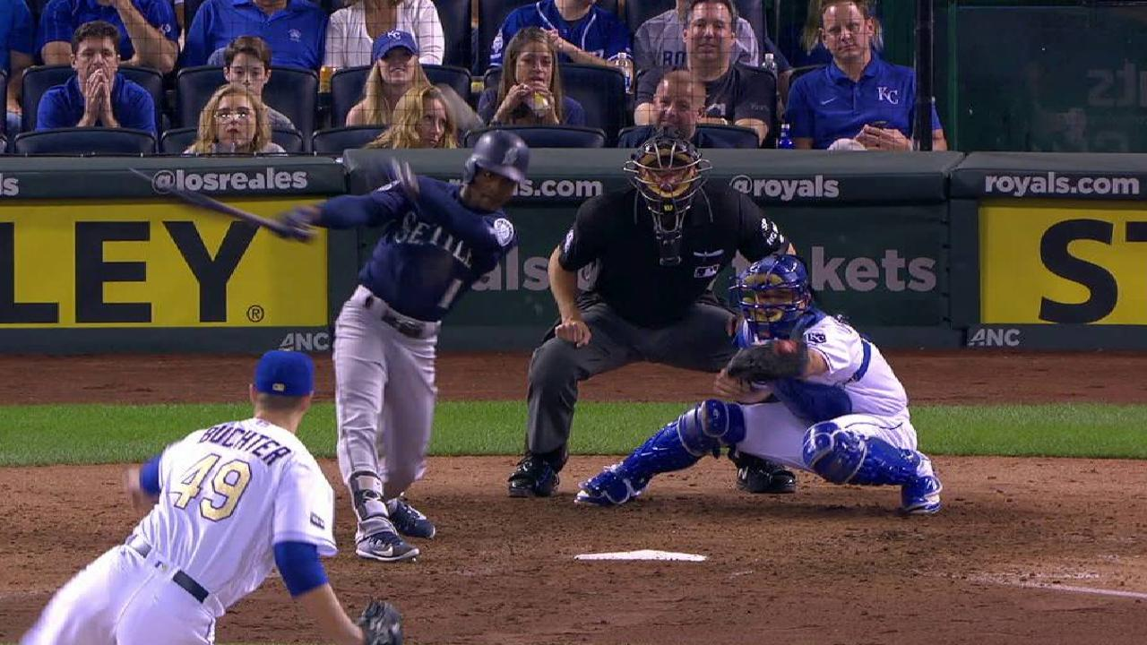 Dyson's RBI in 3-run 7th helps M's foil Royals
