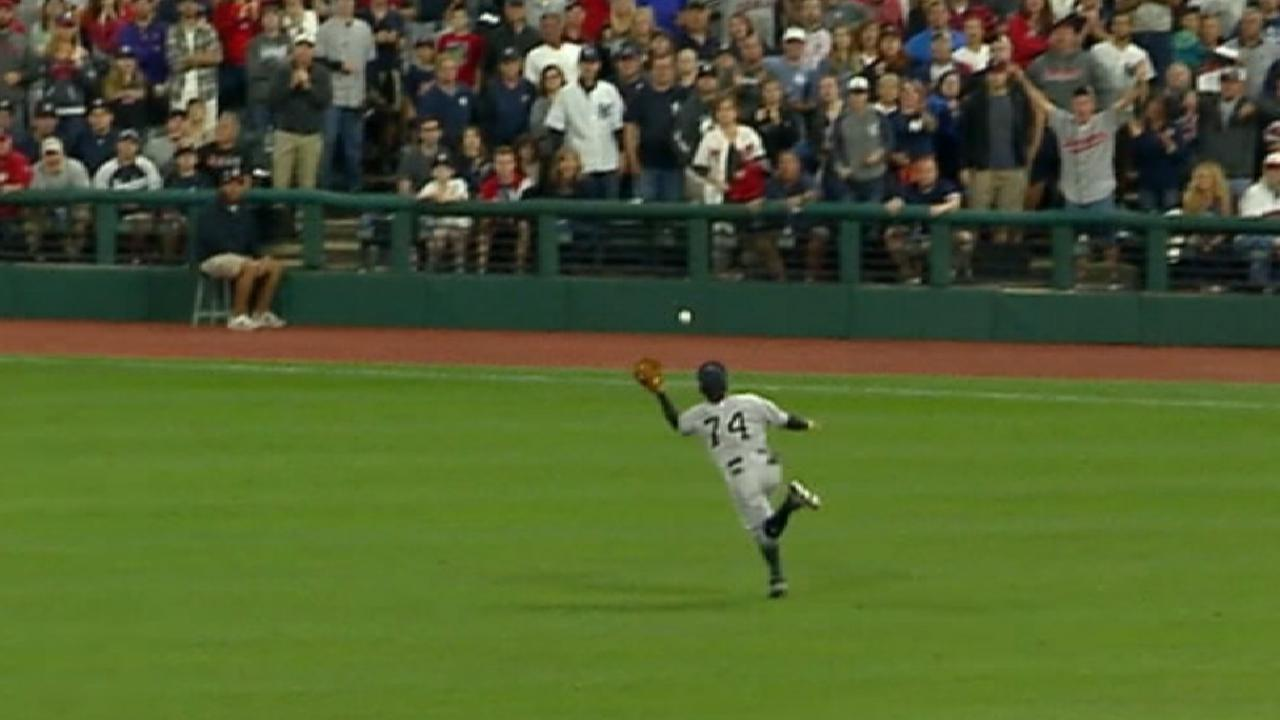 Torreyes' diving catch