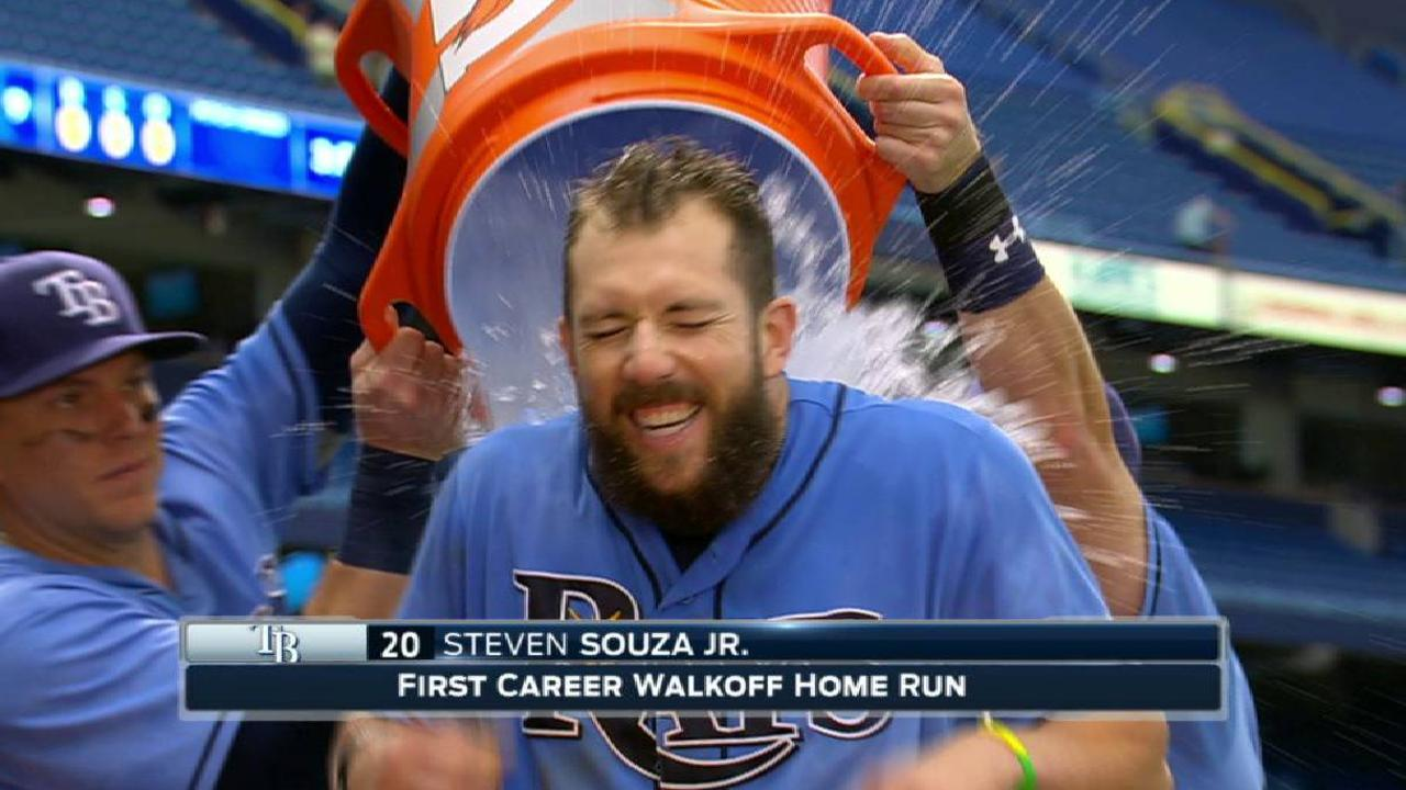 Souza Jr. on walk-off homer, win