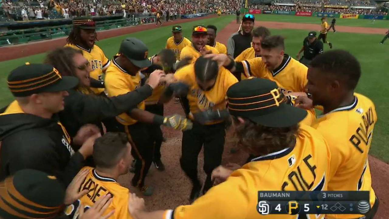 S-Rod celebrates return with walk-off vs. Padres