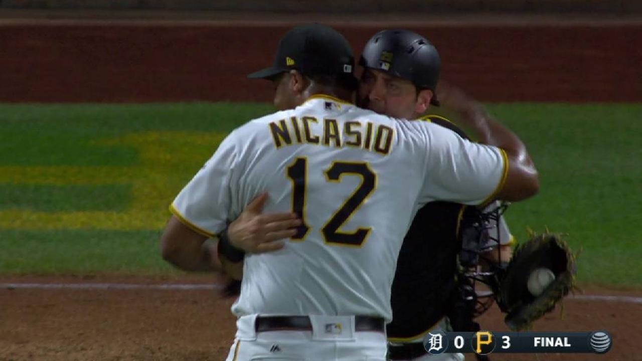 Nicasio seals the Pirates' win
