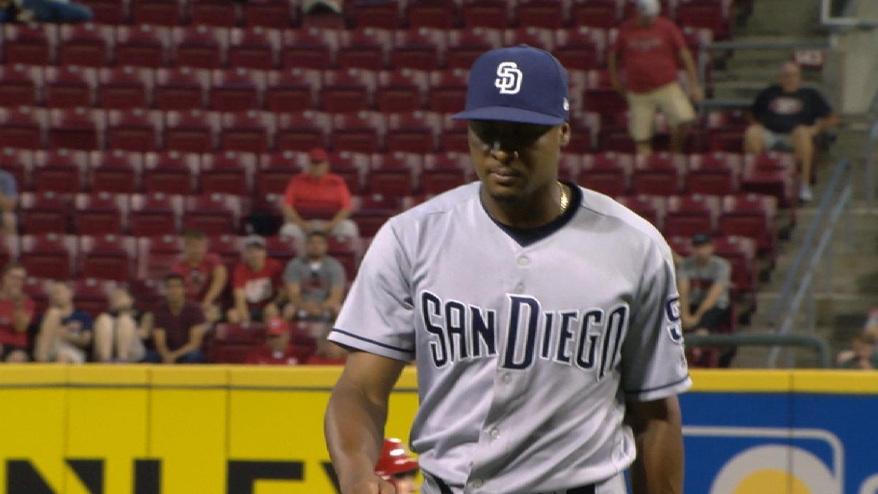Perdomo backed by HRs, takes down Reds
