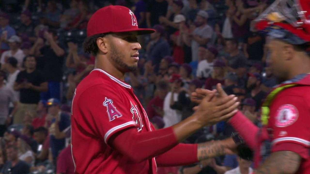 Middleton's first MLB save
