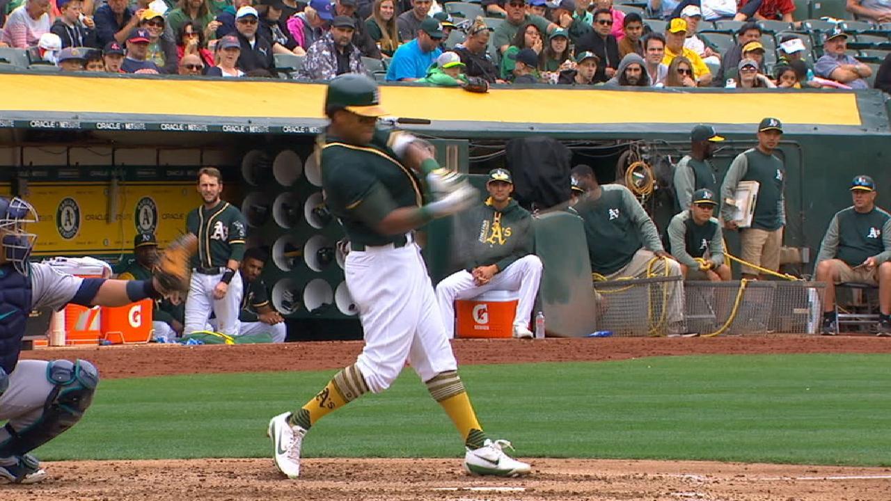 Khris' solo home run